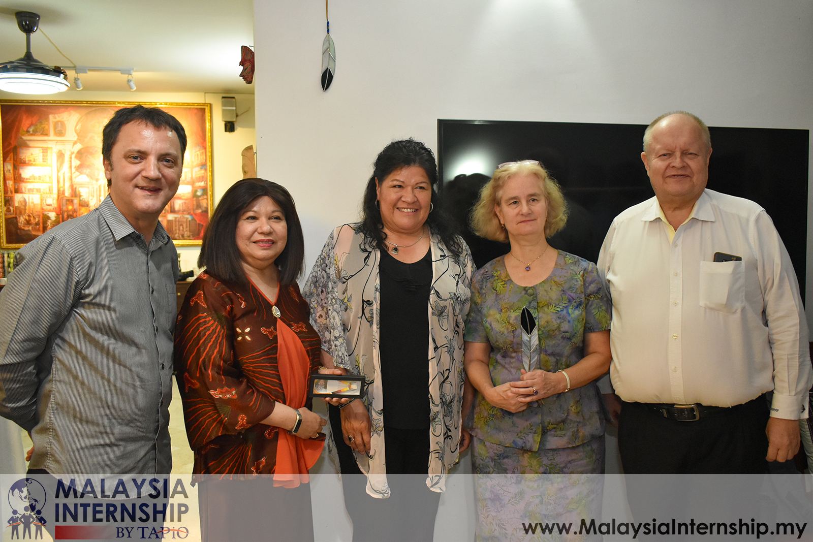 Wednesday Club with H.E. Julia G. Bentley & Dato' Aminahtun Karim - 23/05/2019